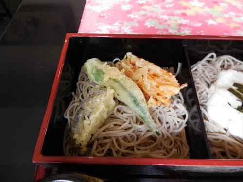 吉見屋7三飾そば(2)