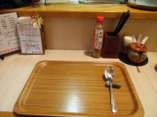 カレーハウスすぷーん3店内2
